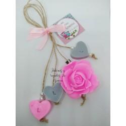 Jabón colgante rosa y corazones