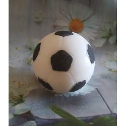 Balón de fútbol pintado